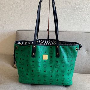 ‼️Sold‼️ authentic MCM Vicetos Tote Reversible